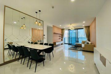 Cho thuê Sunwah Pearl 3 phòng ngủ tầng cao đầy đủ nội thất cao cấp